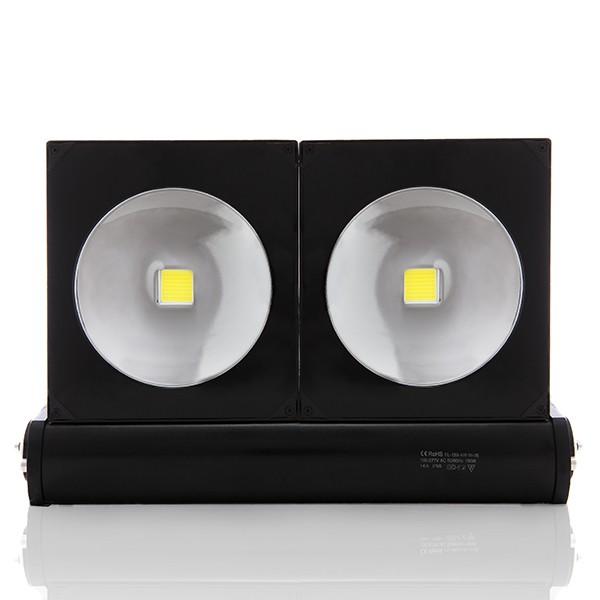 Foco proyector de leds para exterior 150w 13550lm for Focos de led para exterior